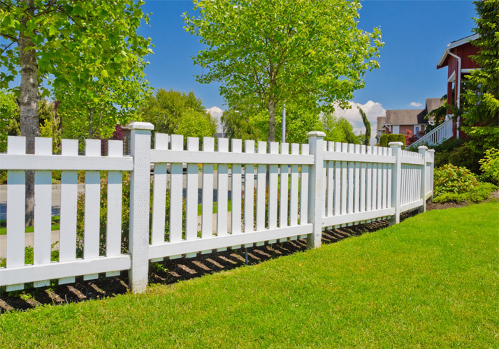 high-quality-villa-complex-pvc-fence