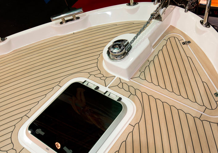 boat-flooring-options-synthetic-teak-boat-flooring