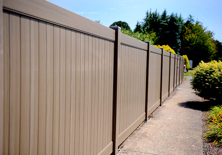 How to maintain outdoor WPC fence